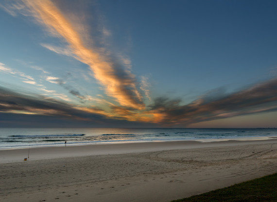 Dawn on Narrowneck Beach