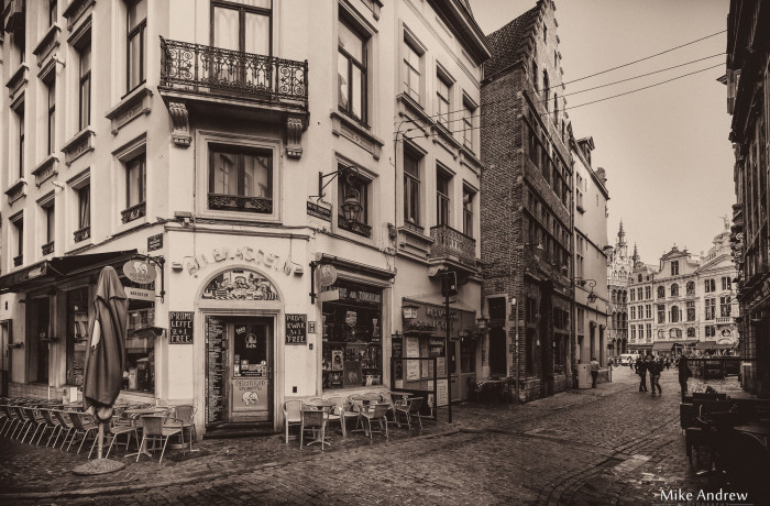 Old Street Cafe – Rue Des Chapeliers Brussels